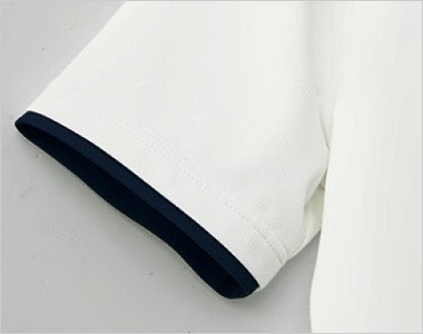 レイヤード仕様の袖口