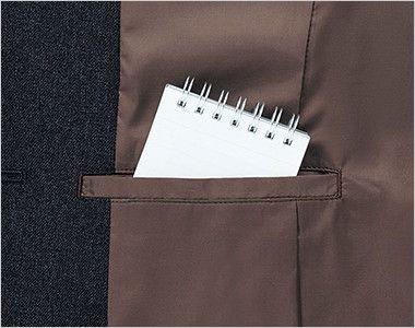 AJ0260 BONMAX/トラッドパターン ジャケット 無地 裾に入った後ろ身頃のサイドベンツが腰まわりにゆとりを持たせ、ウエストのパイピングが腰位置を高く見せます。