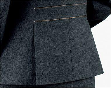 BONMAX AJ0260 [通年]トラッドパターン ジャケット 無地 裾に入った後ろ身頃のサイドベンツが腰まわりにゆとりを持たせ、ウエストのパイピングが腰位置を高く見せます。