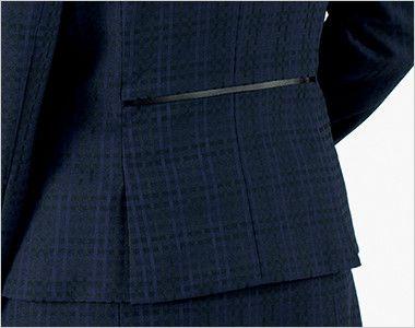 BONMAX BCJ0114 [通年]ニュアンスドビー ジャケット [チェック/ストレッチ] 裾に入った後ろ身頃のサイドベンツが腰まわりにゆとりを持たせ、ウエストのパイピングが腰位置を高く見せます。