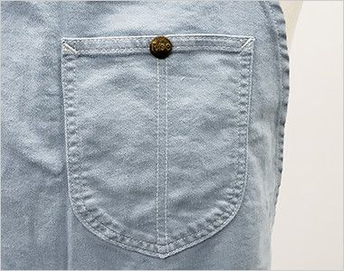 LCK79006 Lee 2WAYエプロン(男女兼用) Leeのロゴ入りボタン付きの胸ポケット