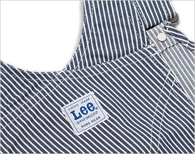 Lee LWU39002 オーバーオール(男女兼用) 背中の臀部から肩紐までが一体になっているタイプ。Leeワークウェアオリジナルネーム付