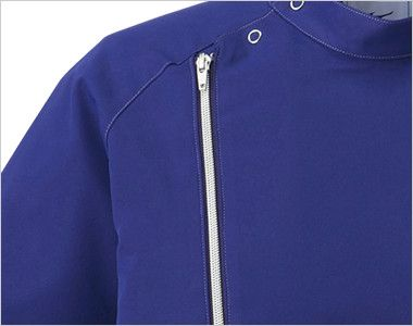 MZ-0066 ミズノ(mizuno) メンズケーシージャケット(男性用) ななめにデザインされたジッパが個性的