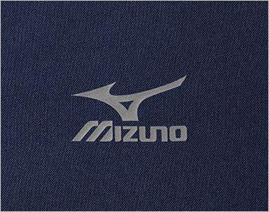 MZ-0231 ミズノ(mizuno) 抗ウイルス スクラブ(男女兼用) 光沢あるシルバーの転写プリントのMIZUNOロゴ 工業洗濯での洗濯試験にも耐えられる、しっかりとした耐久性があります。 ※洗濯の回数で劣化する可能性はございます。ご了承ください。