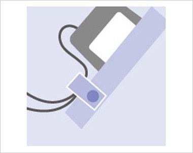 7003SC FOLK(フォーク) パントン スクラブ(男女兼用) ポケット口PHS・PDA落下防止タブ ストラップを留めるタブを装備し落下を防ぎます。