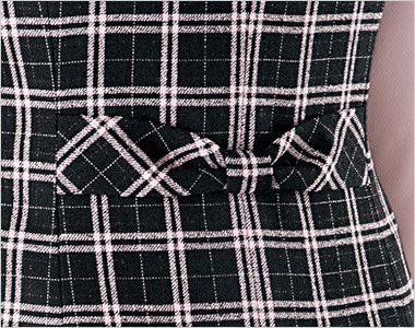 en joie(アンジョア) 11610 [通年]黒とチェックの華やかベスト チェック リボンデザインで後ろ姿まですっきりかわいい背ベルト