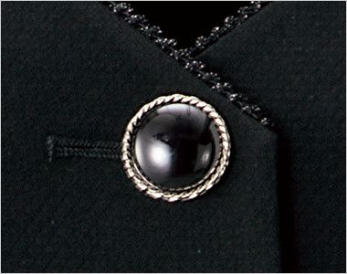 en joie(アンジョア) 11620 [通年]フラップポケットがアクセントの無地ベスト ツヤのある大きめのシルバー縁のボタン