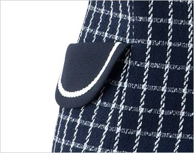 en joie(アンジョア) 11630 [通年]チェック柄に印象的なボタンのベスト 大人可愛いフラップポケットは物が落ちづらいなど便利