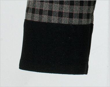 en joie(アンジョア) 21000 [通年]スタンドカラーのチェック柄長袖オーバーブラウス チェック 袖口が黒でスタイルアップ