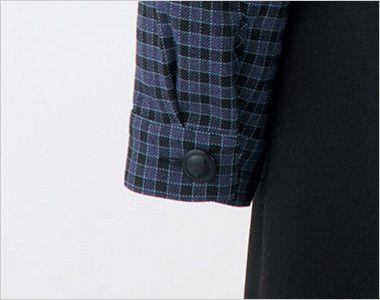 en joie(アンジョア) 21010 [秋冬用]寒い時期にオススメ!落ち着きあるチェック柄の長袖オーバーブラウス(リボン付) 袖口はボタンで閉められます