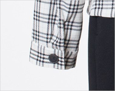 en joie(アンジョア) 26115 [春夏用]エアコン対策にぴったりなチェック柄の長袖オーバーブラウス 黒ボタン