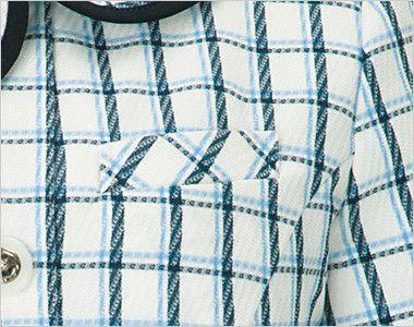 en joie(アンジョア) 26240 [春夏用]アシンメトリーな大きめの丸み襟のチェック柄オーバーブラウス[抗菌・防臭] ネームプレートとペンなどを区分け収納できる名札ポケットと左胸ポケット