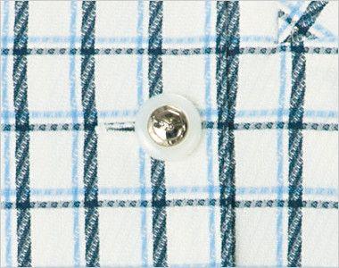 en joie(アンジョア) 26240 [春夏用]アシンメトリーな大きめの丸み襟のチェック柄オーバーブラウス[抗菌・防臭] きらびやかなシルバーが光を放つボタン