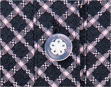 en joie(アンジョア) 26250 [春夏用]清楚な雰囲気を演出する小花チェック柄のオーバーブラウス 白い花びらがキュートな透明ボタン