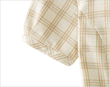 en joie(アンジョア) 26380 [春夏用]ほっこりベージュ×丸襟がかわいい癒し系のチェック柄オーバーブラウス 袖をしぼめることにより腕を上げても脇から下着が見えづらい