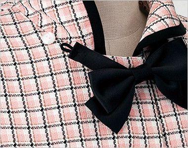 en joie(アンジョア) 26440 [春夏用]ふんわり優しい印象のチェック柄オーバーブラウス(リボン付) 襟の裏に白いボタンでリボンは簡単に取外しできます