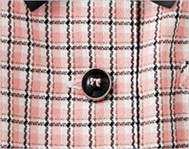 en joie(アンジョア) 26440 [春夏用]ふんわり優しい印象のチェック柄オーバーブラウス(リボン付) リボンがかわいい光沢のある黒いボタン