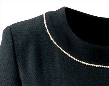 en joie(アンジョア) 61650 [通年]シルエットが美しくゴールドがアクセントのワンピース(女性用) 無地×ラメ エレガントで華やかさを添えるゴールドのラメテープ