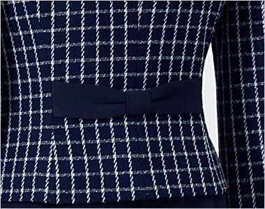 en joie(アンジョア) 81630 [秋冬用]まるいデザイン襟とフラップポケットがかわいいジャケット(リボン付) チェック 後ろ姿をきれいにみせるリボン風の背ベルト