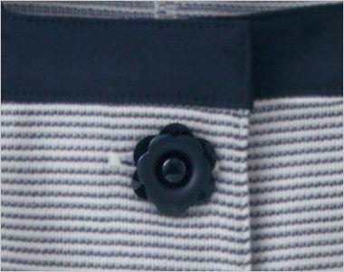 en joie(アンジョア) 86415 [春夏用]スクエア襟×ネイビーの配色!ボーダー柄のサマージャケット 花びらのようなかわいいボタン