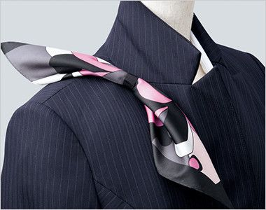 EAJ474 enjoy [通年]ジャケット ストライプ スカーフループ®衿もとにスカーフのズレを防ぐループが付いています。ワンタッチで形が決まります。