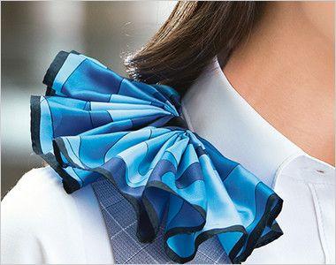 ESV555 enjoy ベスト チェック 衿もとにスカーフのズレを防ぐループが付いています。ワンタッチで形が決まります。