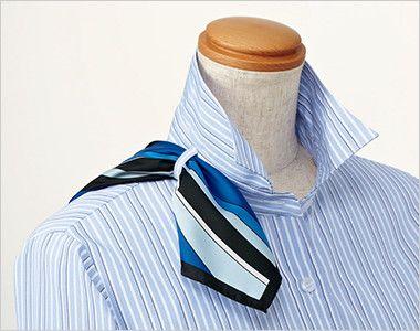 EWB598 enjoy デキる女の表情を生むシャープなストライプ 長袖シャツブラウス 衿もとにスカーフのズレを防ぐループが付いています。ワンタッチで形が決まります。