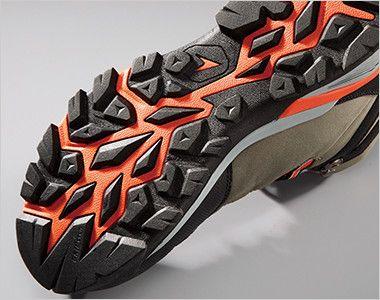 ジーベック 85143 防水セフティシューズ スチール先芯 トレッキングシューズを参考にした靴底意匠を採用。悪路やハードな現場でも滑りにくい意匠です。