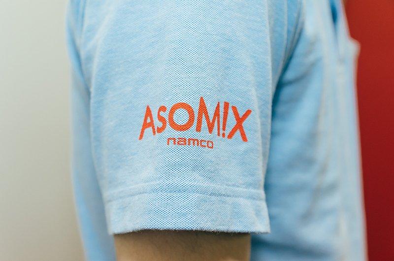 ポロシャツのデザインにあったサイズと位置でロゴマークをプリント