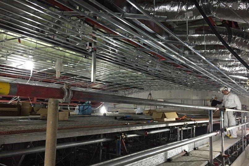 内装工事の最初に組み上げる軽量鉄骨